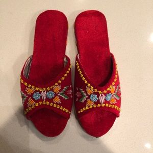 Shoes - Red velvet beaded slippers